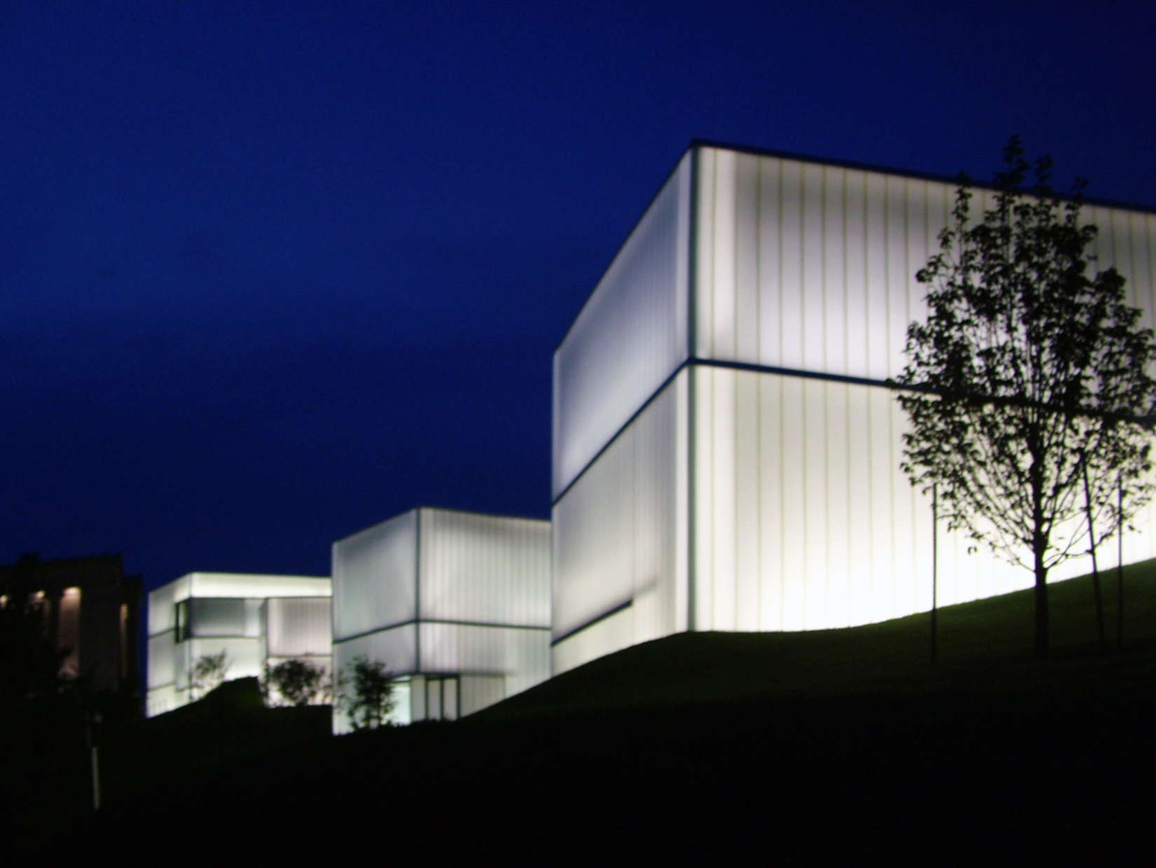 Nelson Atkins Museum Addition-night-edit